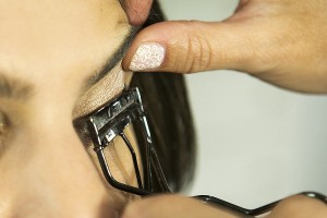 Step-5-Do-Up-Your-Lashes